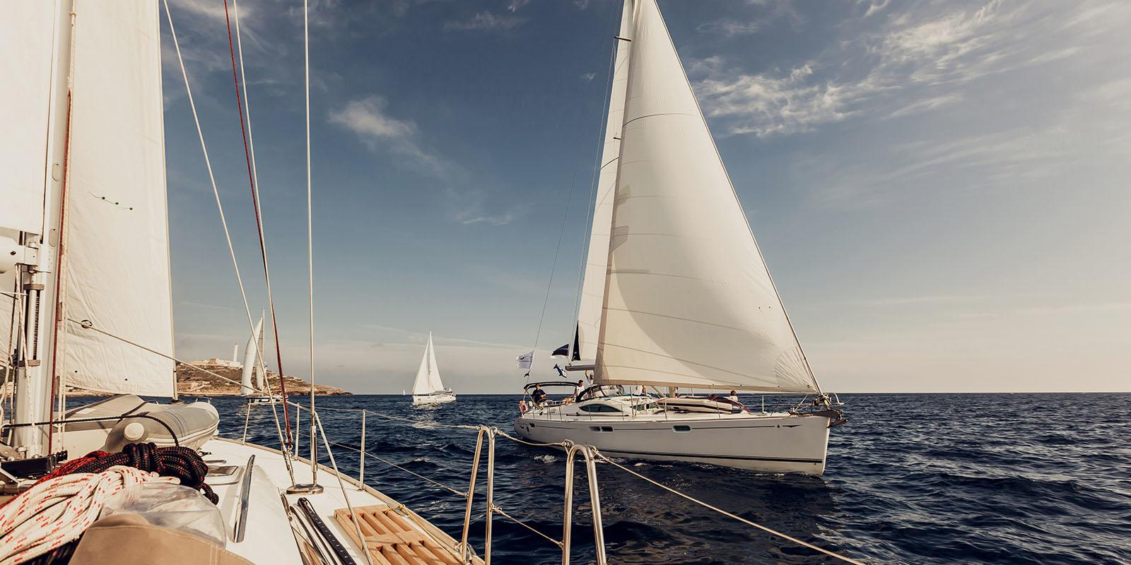Menorca in sailboat. A sea of ​​emotions ...