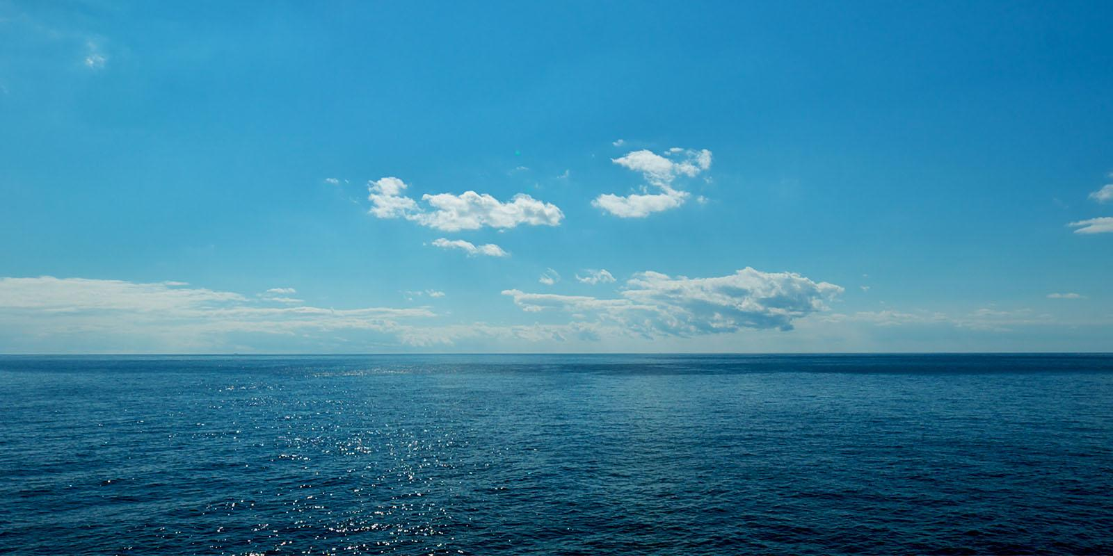 The sea seen from the sea