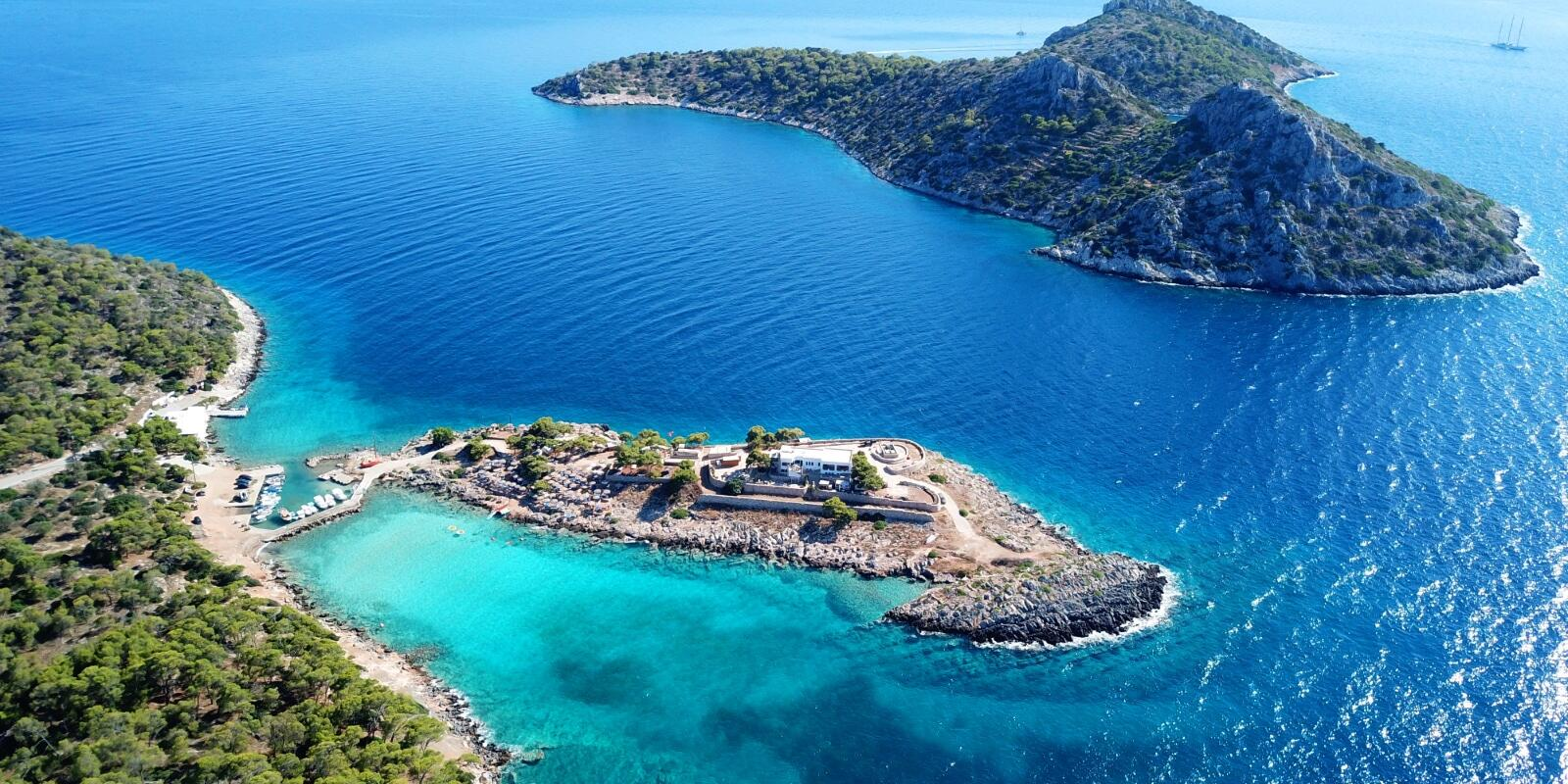 7 Nights on board exploring the SARONIC ISLANDS and PELOPONNESUS coasts with experienced skipper.