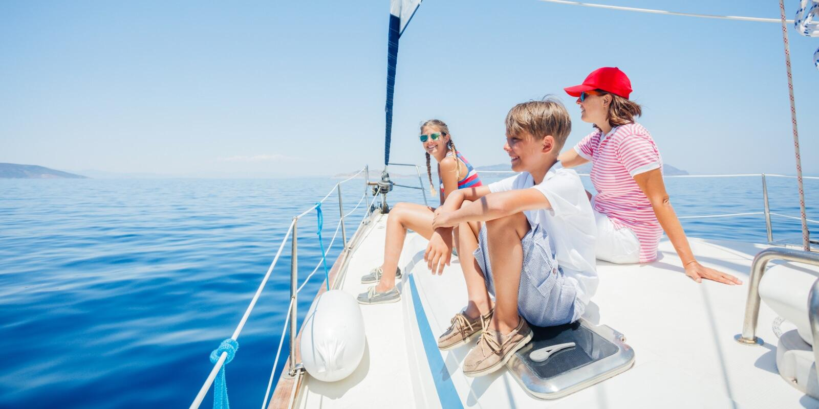 Cruise from the Aeolian Islands to Nettuno passing the Calabrian coast, Cilento and Ischia
