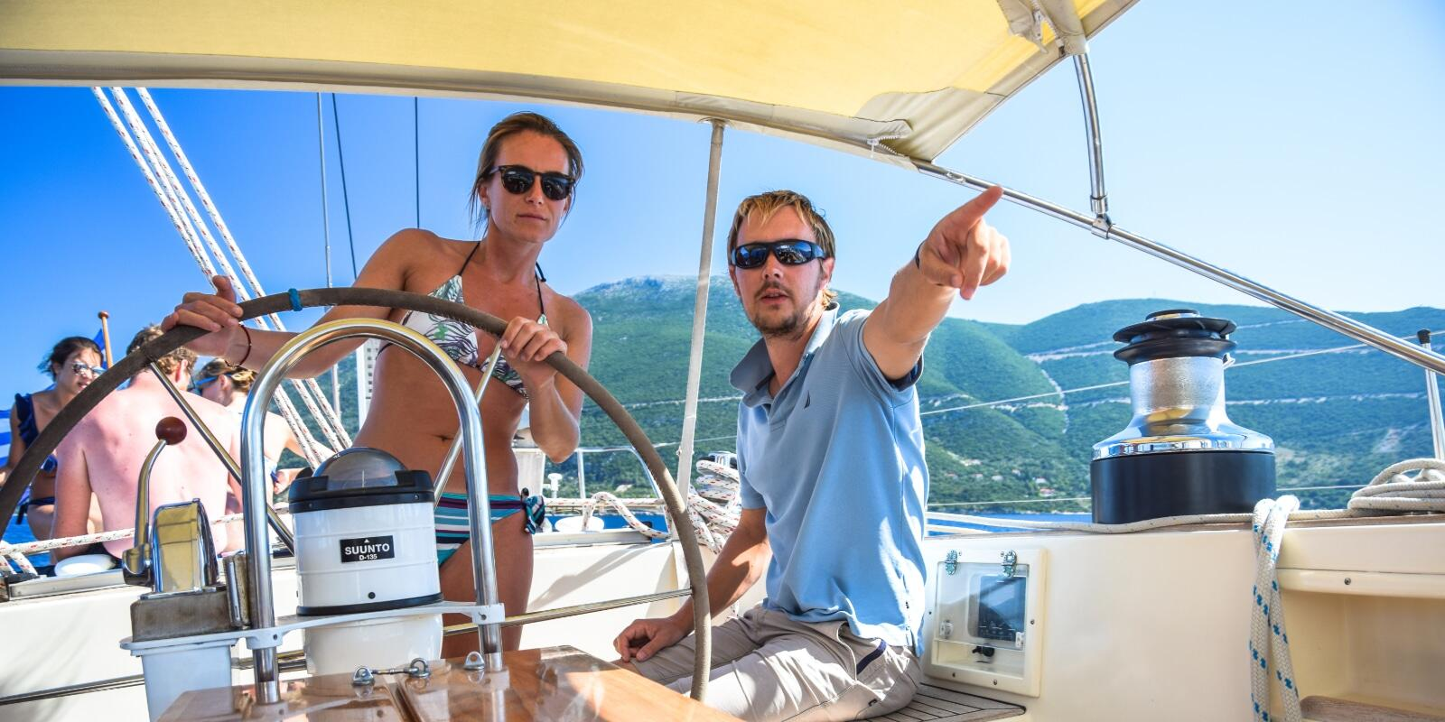 LICENSE YES OR NO? LEARN TO LEAD A BOAT WITH AN INTRODUCTORY SAILING COURSE AND A WEEKEND IN ELBA
