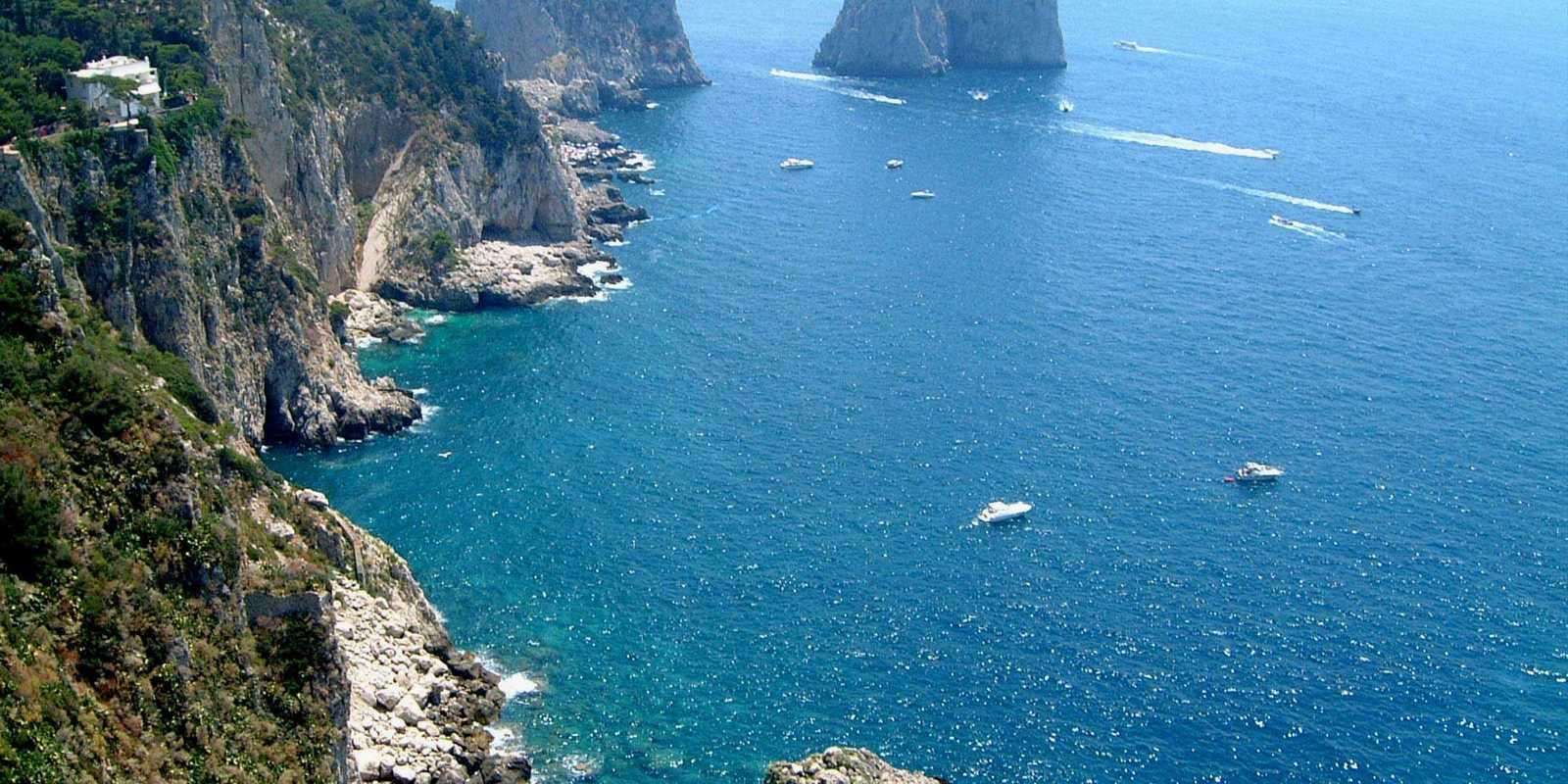 Capri and Ischia the pearls of the Gulf of Naples ... unmissable!