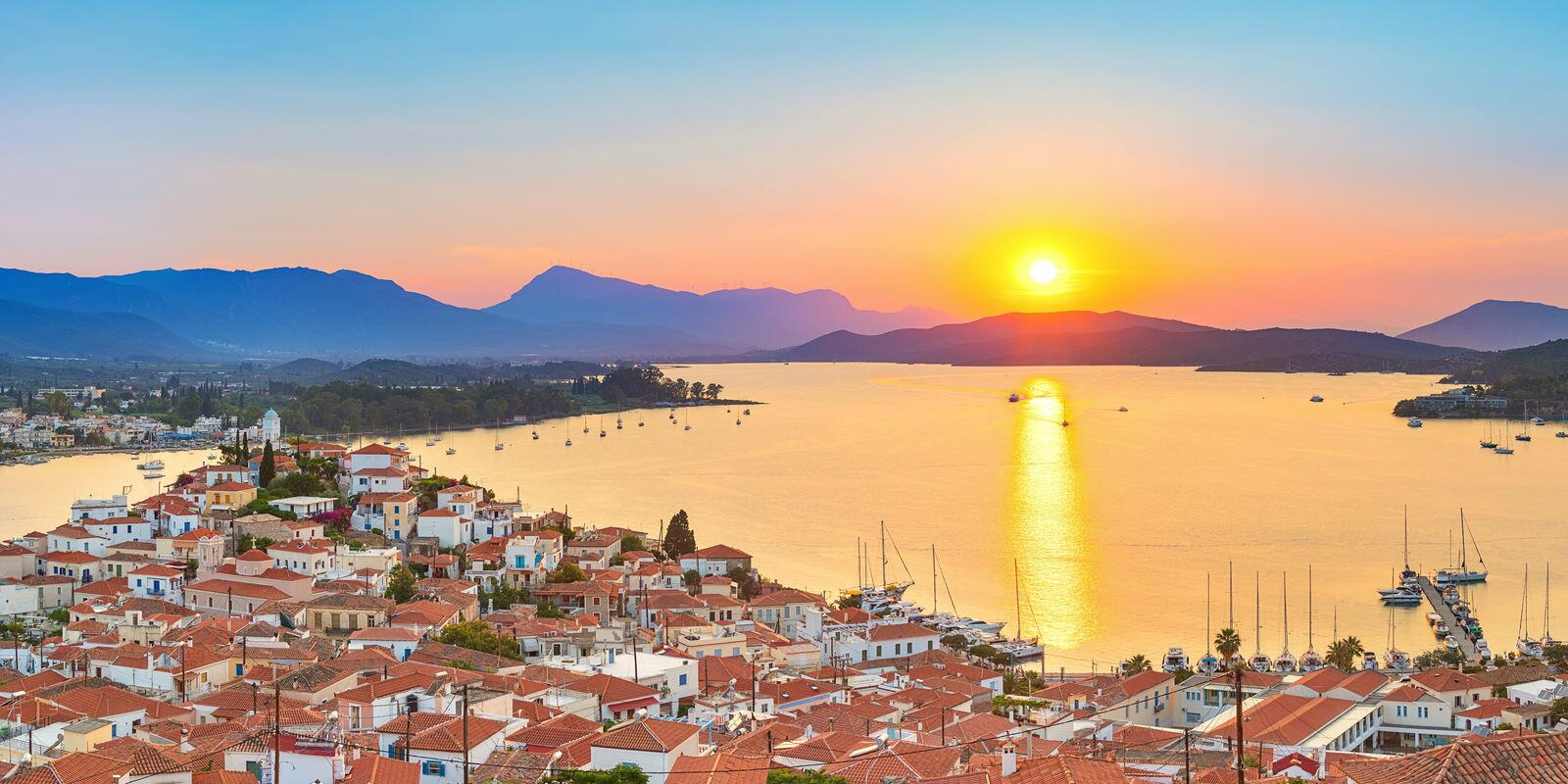 Cruise in the Saronic Gulf - Come live with us an unforgettable experience