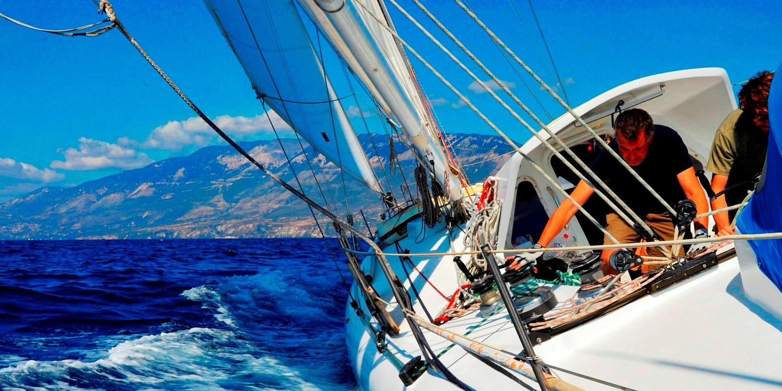 Live your adventure in the Mediterranean Sea between history and natural beauties, sea and stars!