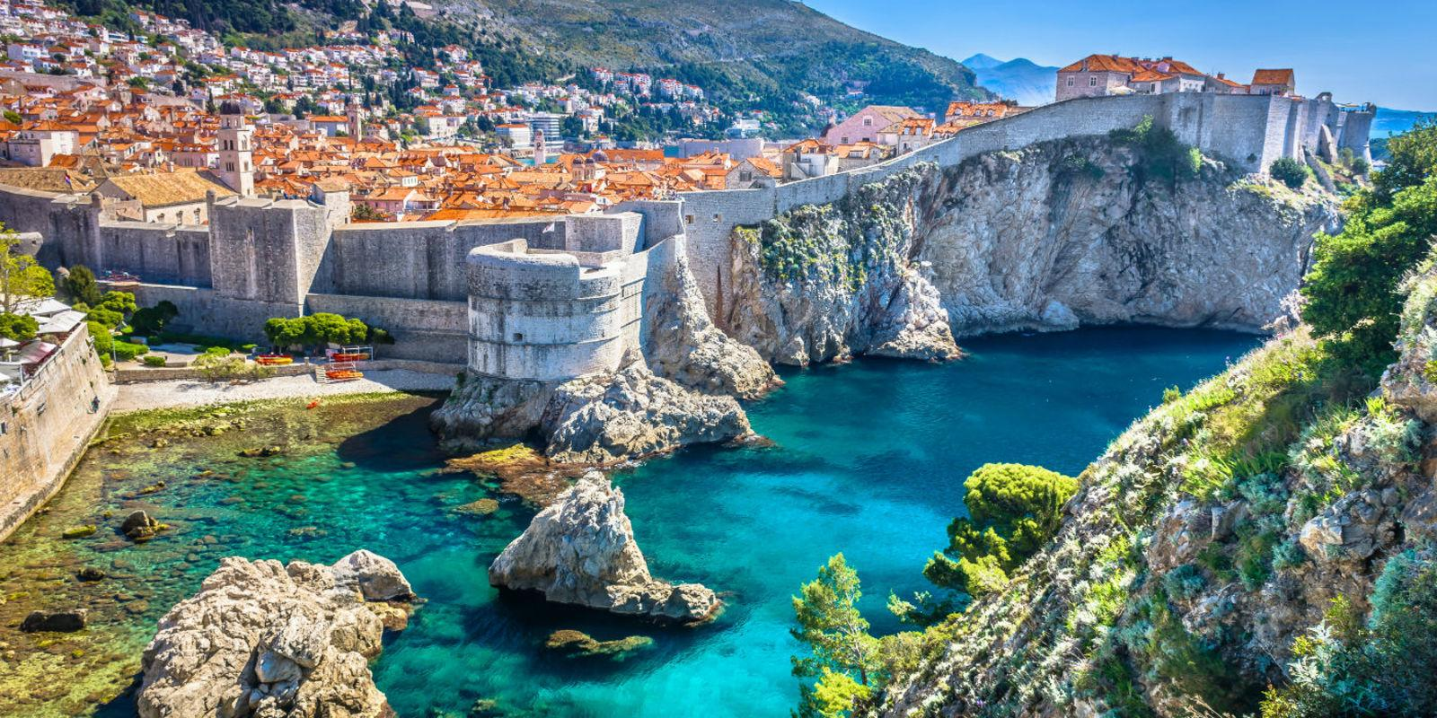 DISCOVER DUBROVNIK AND MONTENEGRO IN A SAILING BOAT