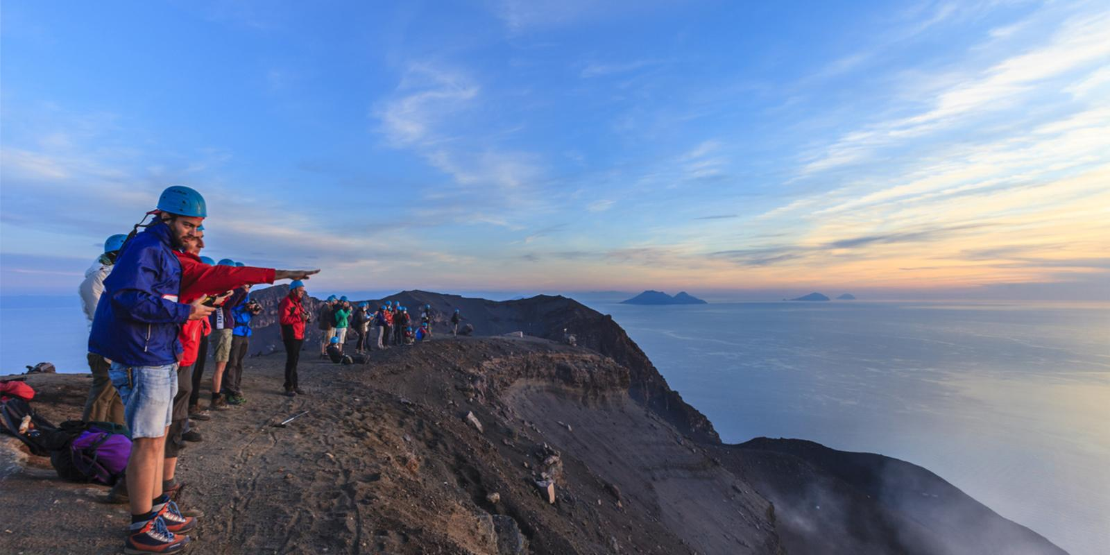 Sailing course and guided excursion of the Stromboli volcano - All Inclusive