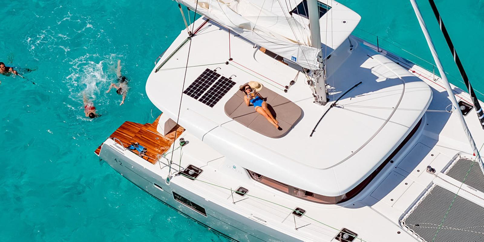 Discover the live in catamaran with your family in the most beautiful Mediterranean islands