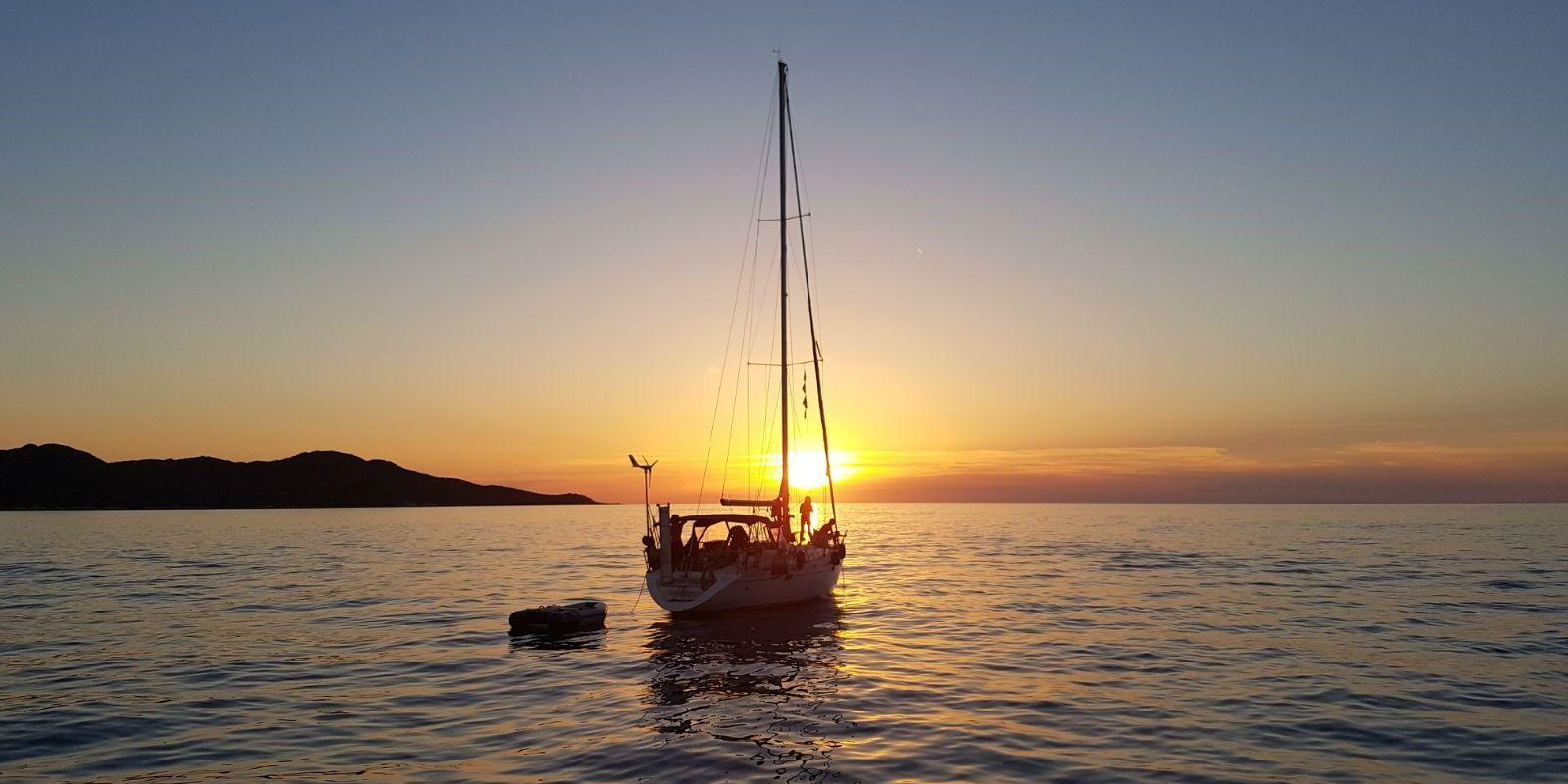 Sailing in the Tuscan archipelago and Corsica