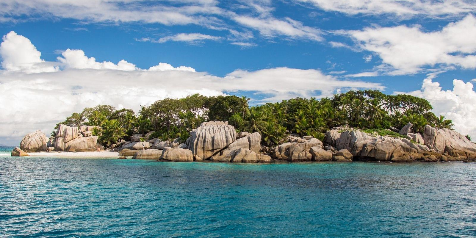 Cruise 8 days on a Catamaran with hostess in Seychelles - All Inclusive