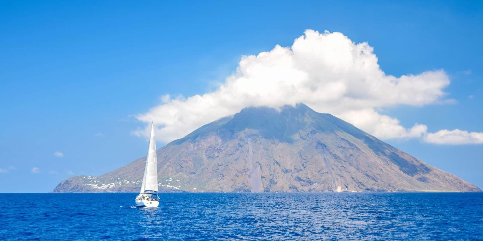 One week sailing among the marvellous Aeolian Islands