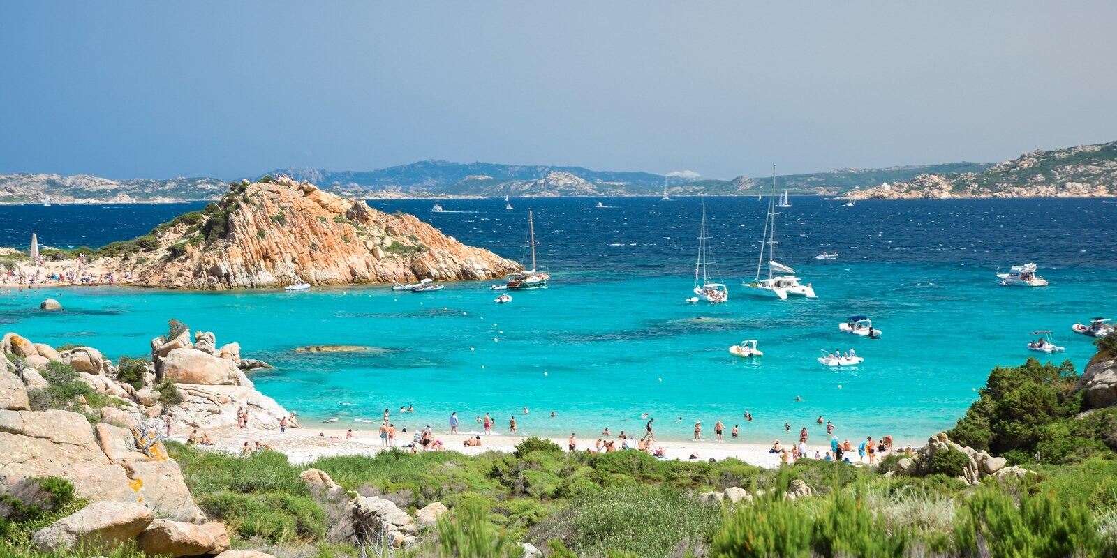 Week of sailing and holidays between northern Sardinia and southern Corsica.