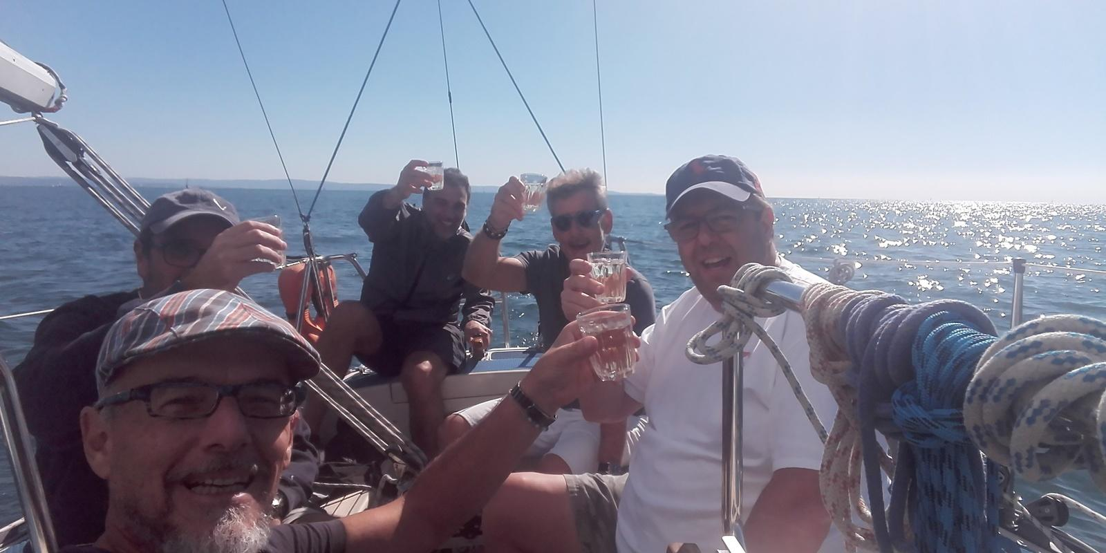 Sailing in taste: 1st quality sailing and fish!