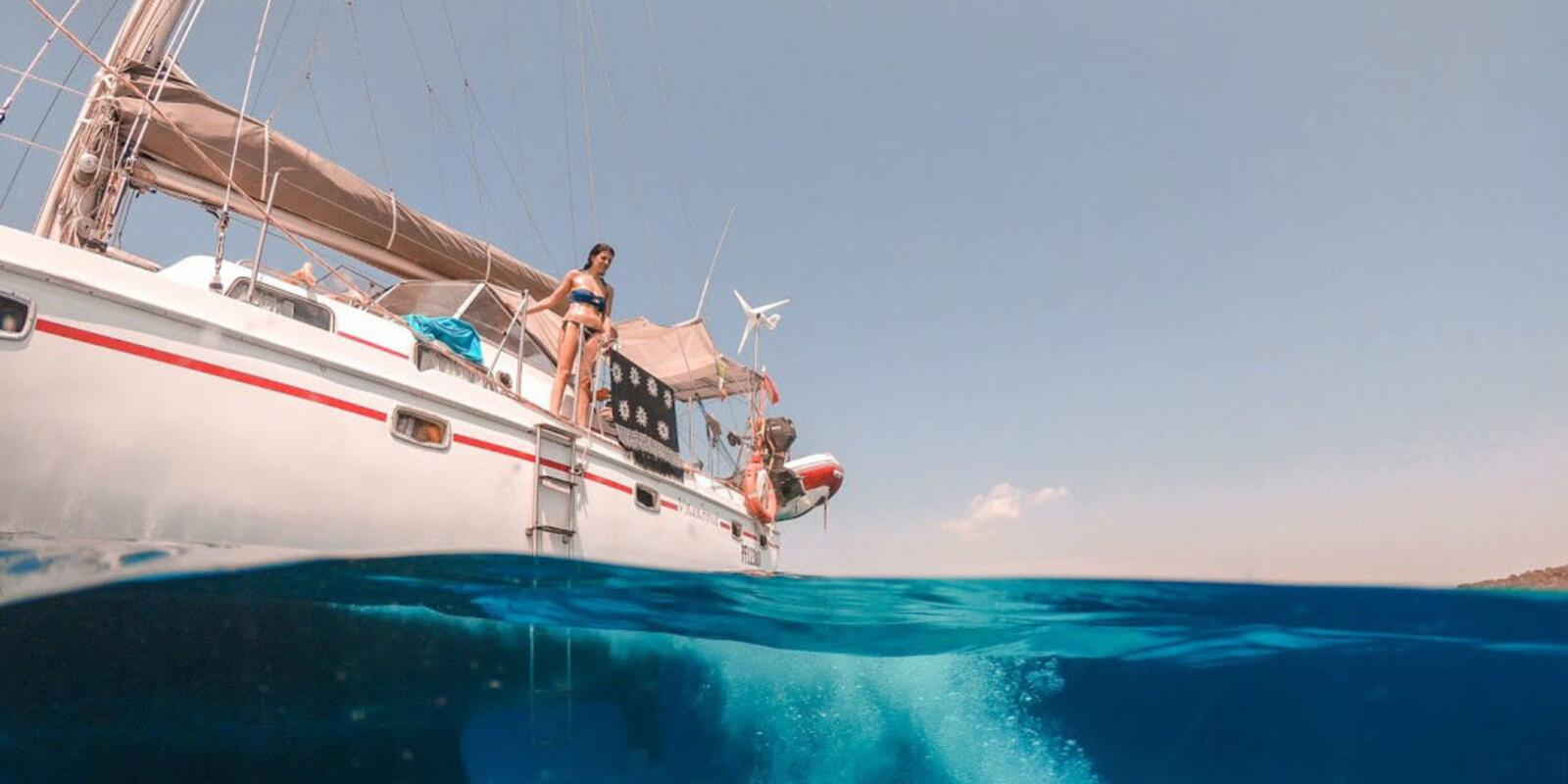 Cruise between Capraia and Corsica with Skipper and Hostess