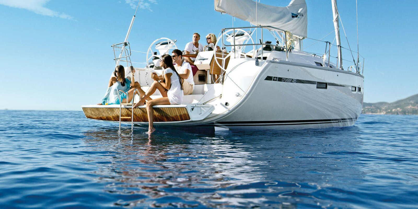 Sailing holiday in the heart of the Mediterranean, nature and art come together in blue and in the most genuine flavors