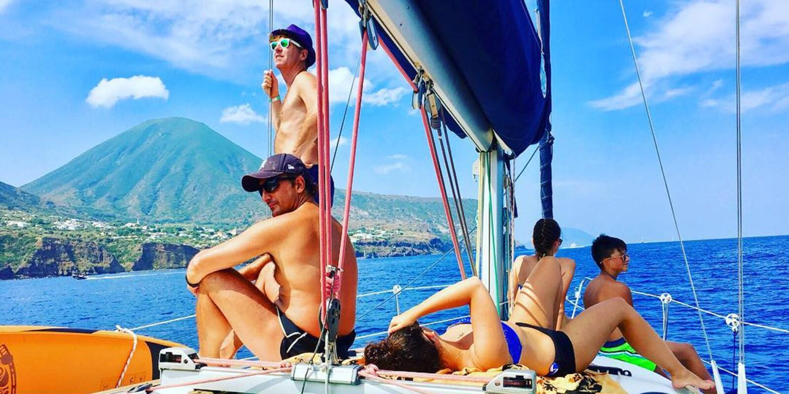 Discovering the Aeolian Islands between Nature, Fun & Relax