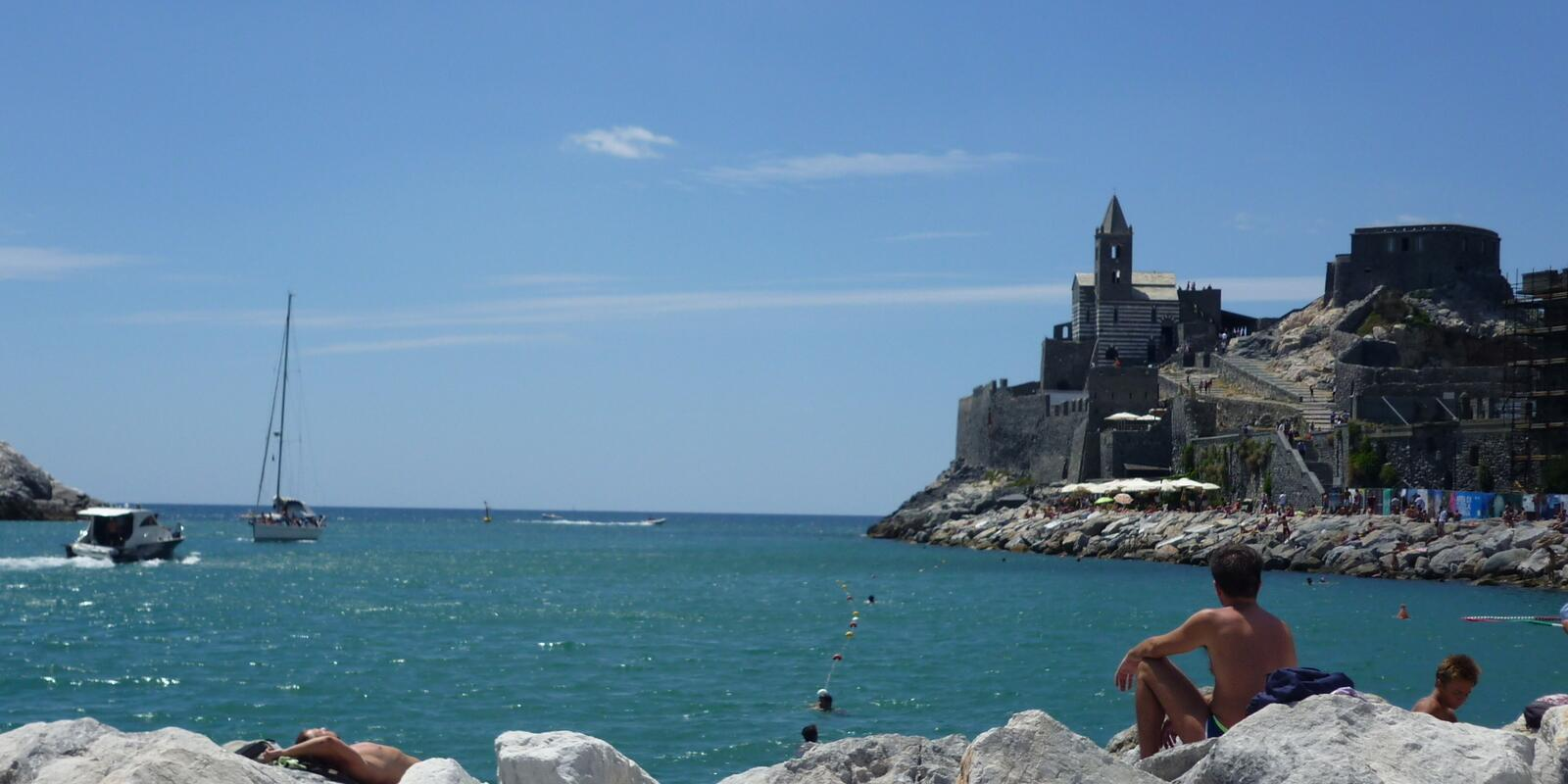 Week end sailing between Porto Venere and the Cinque Terre