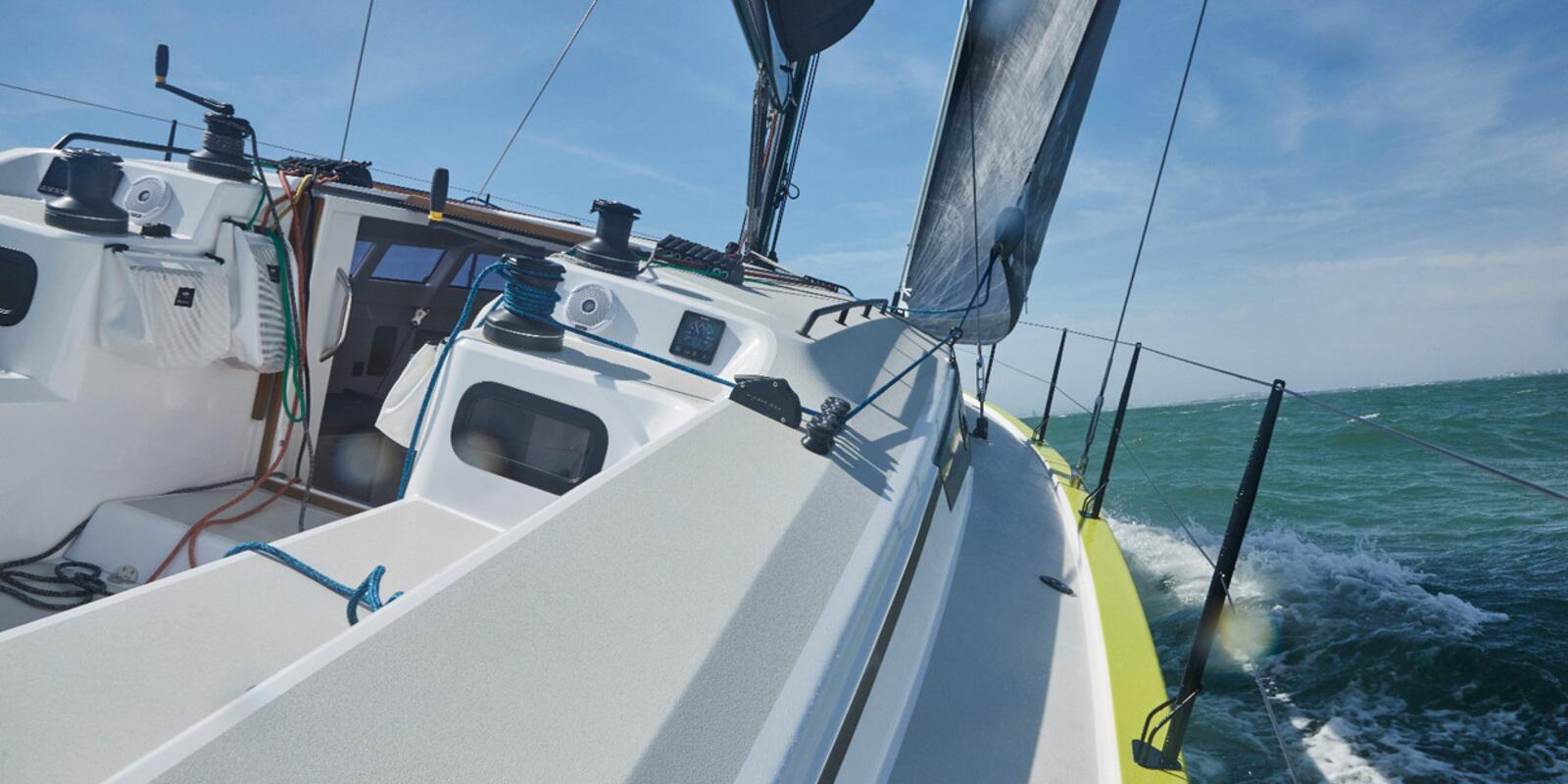 Sailing course - Towards the south, heading for the Grenadines on RM 11.80