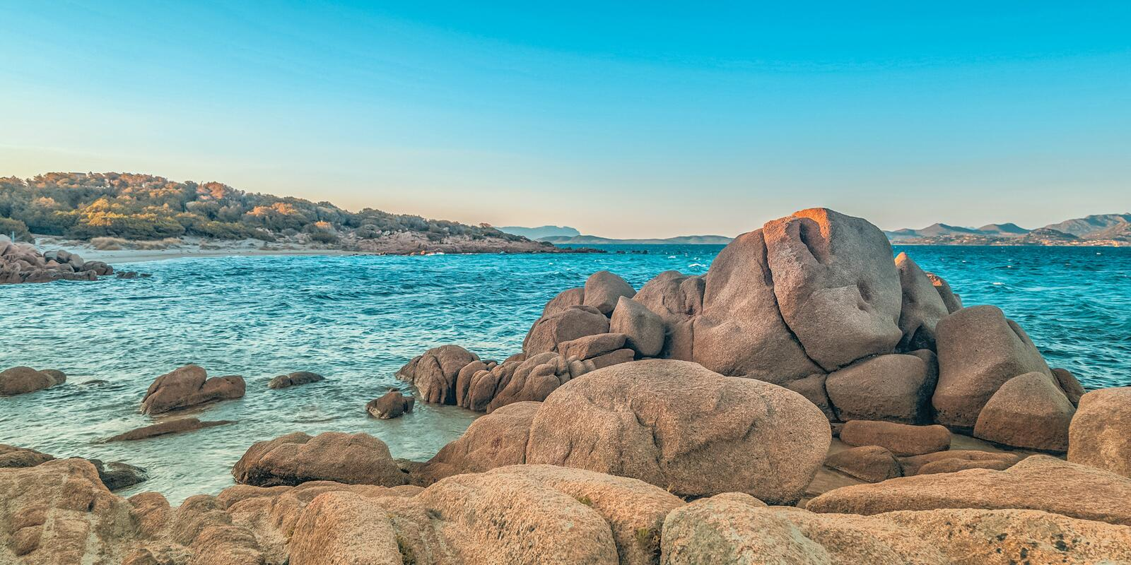 Week of sailing and holidays between northern Sardinia and southern Corsica