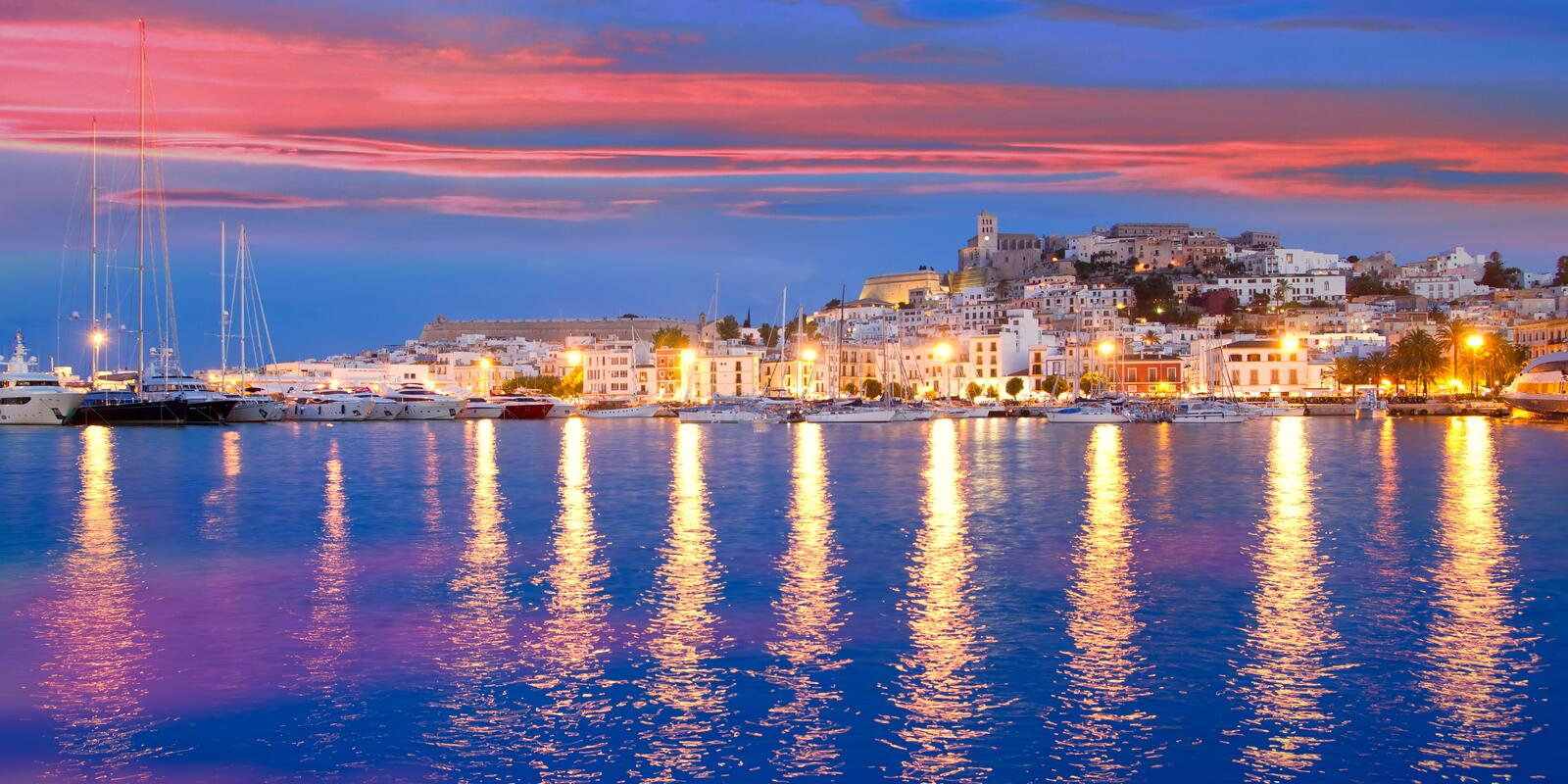 Ibiza and Formentera on maxi sailing yachts, with skipper and hostess: what more could you want ?!