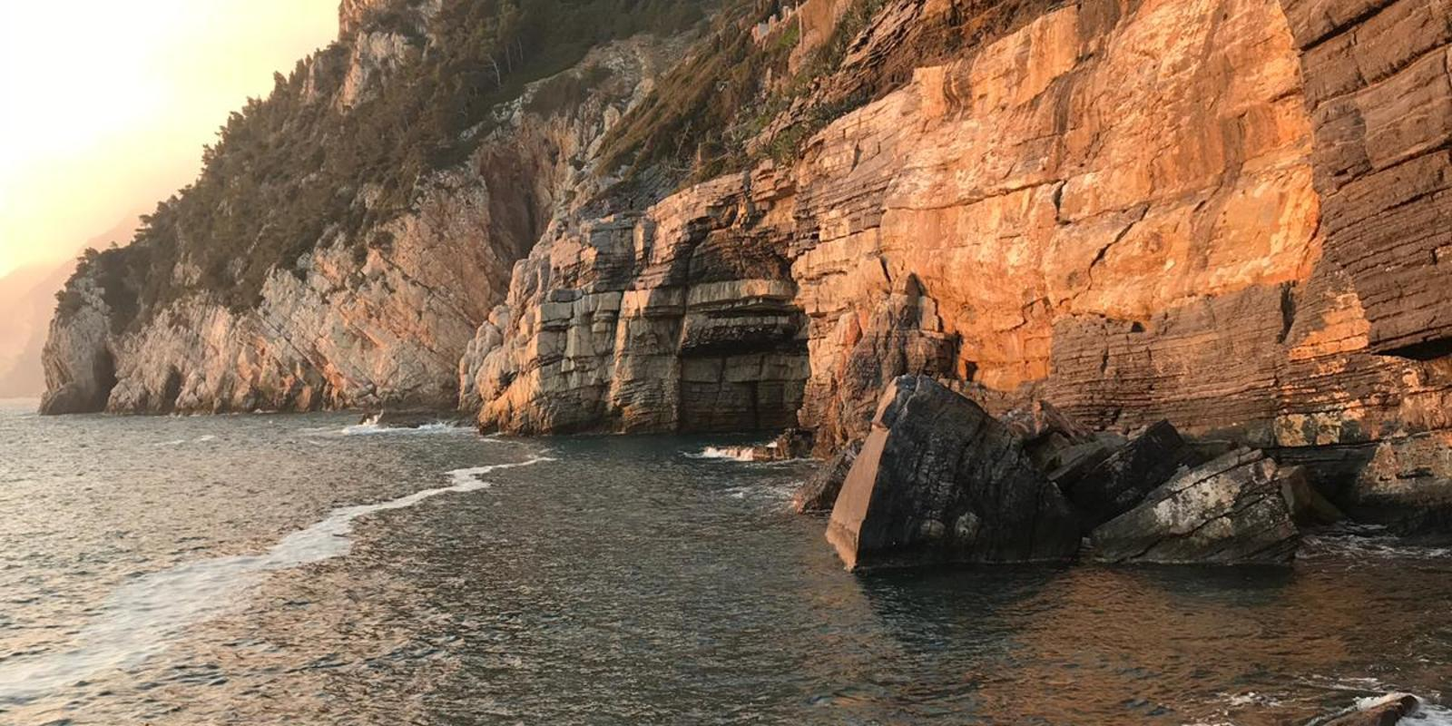 Walking with LA BEFANA for the Gulf of Poets and the Cinque Terre