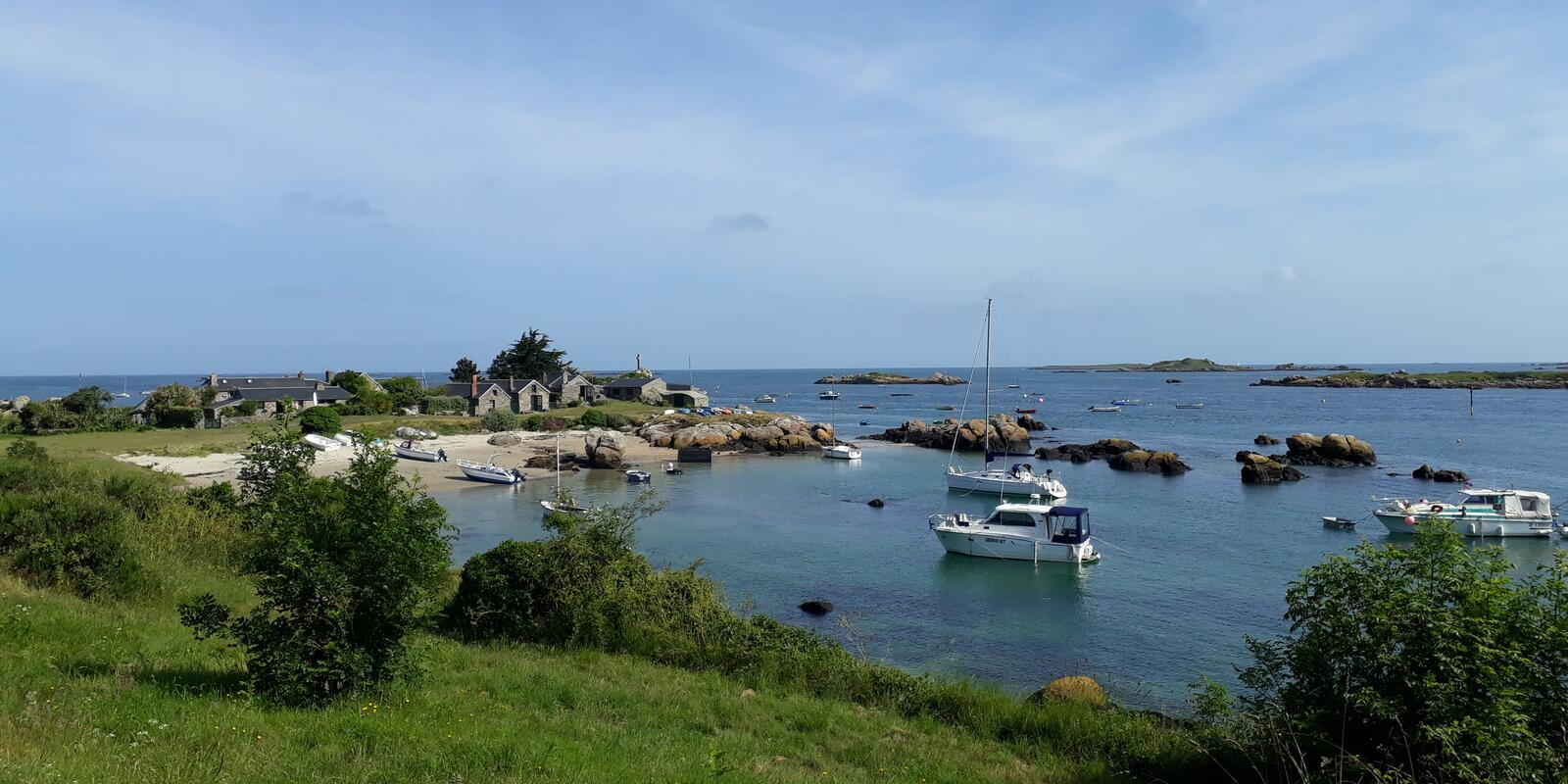 Discover the islands of Chausey from Saint-Malo