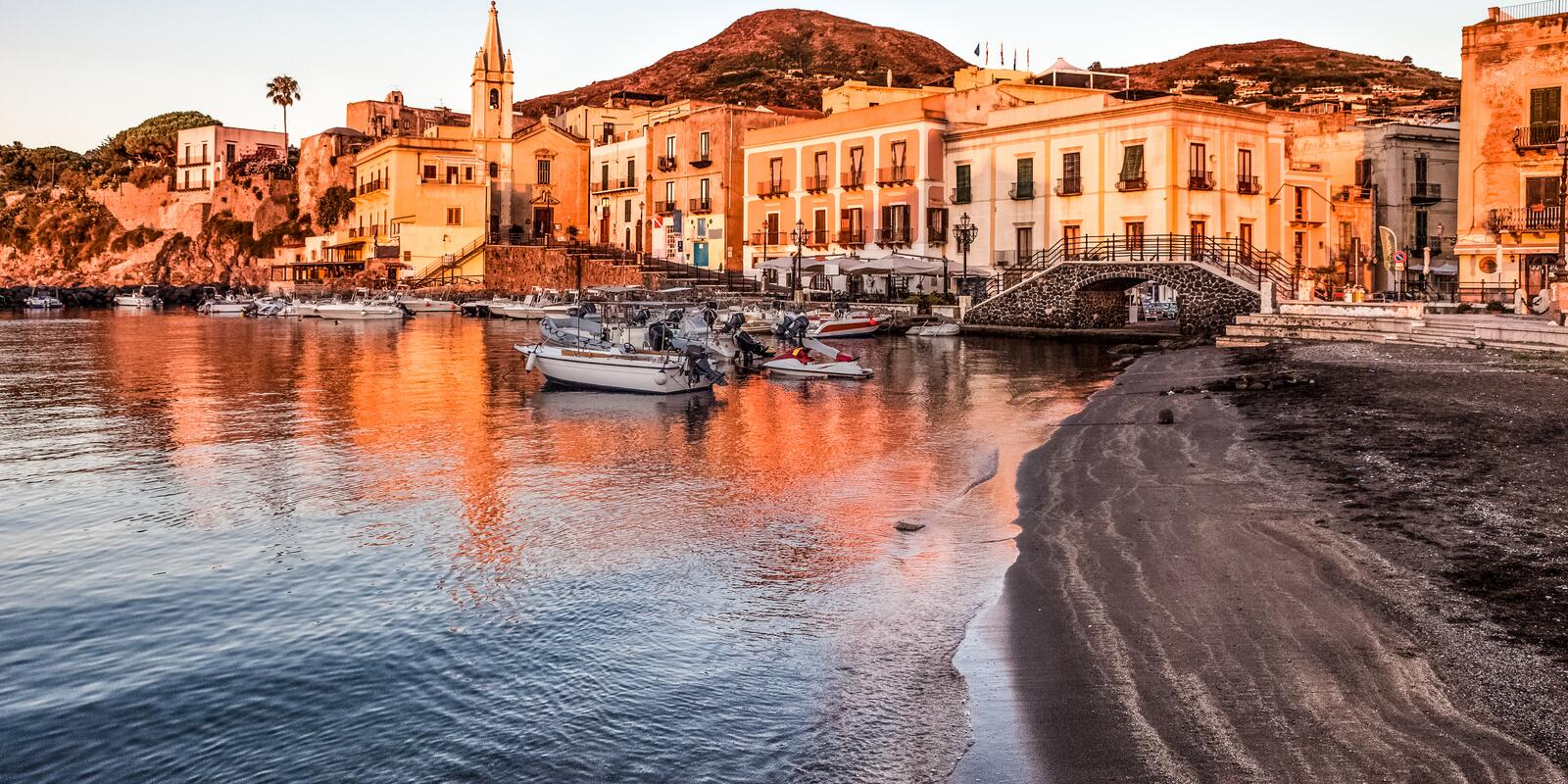 To the Aeolian islands between history, culture and traditions