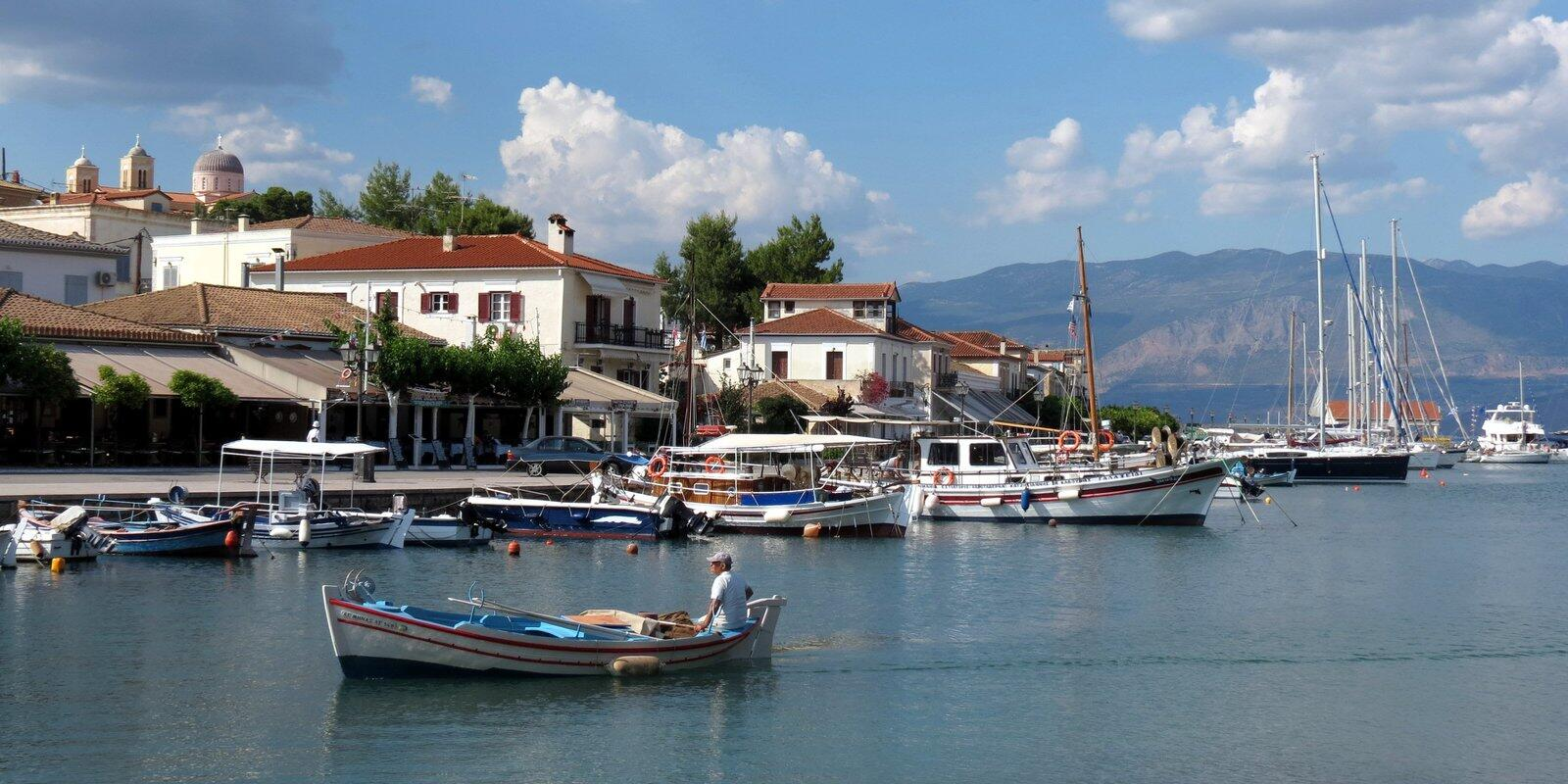 Sail with us under the Greek sun in its paradisiacal islands: Corfu, Paxos, Lefkada