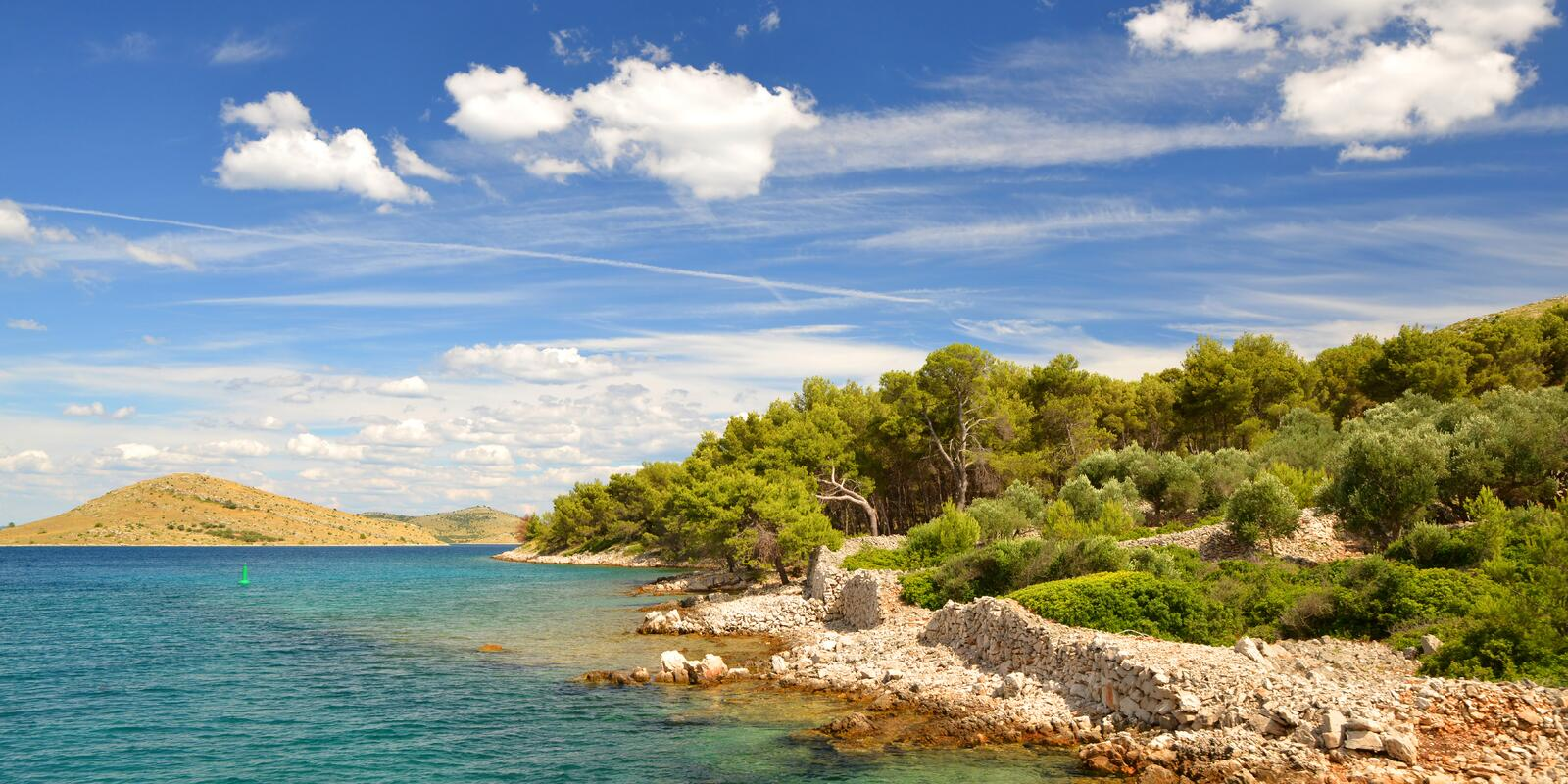 Discover a world of islands in the Kornati archipelago - Hostess on board