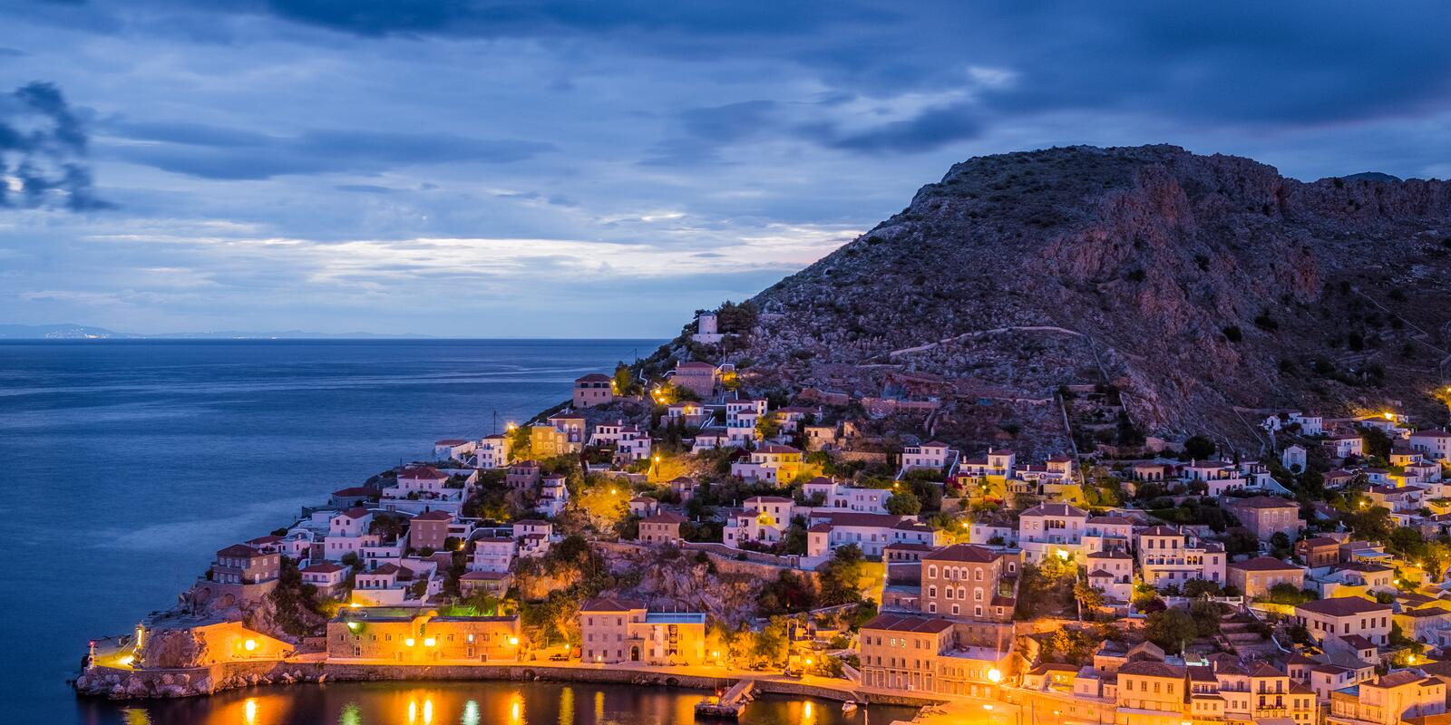 Discover sailing paradise in Greece