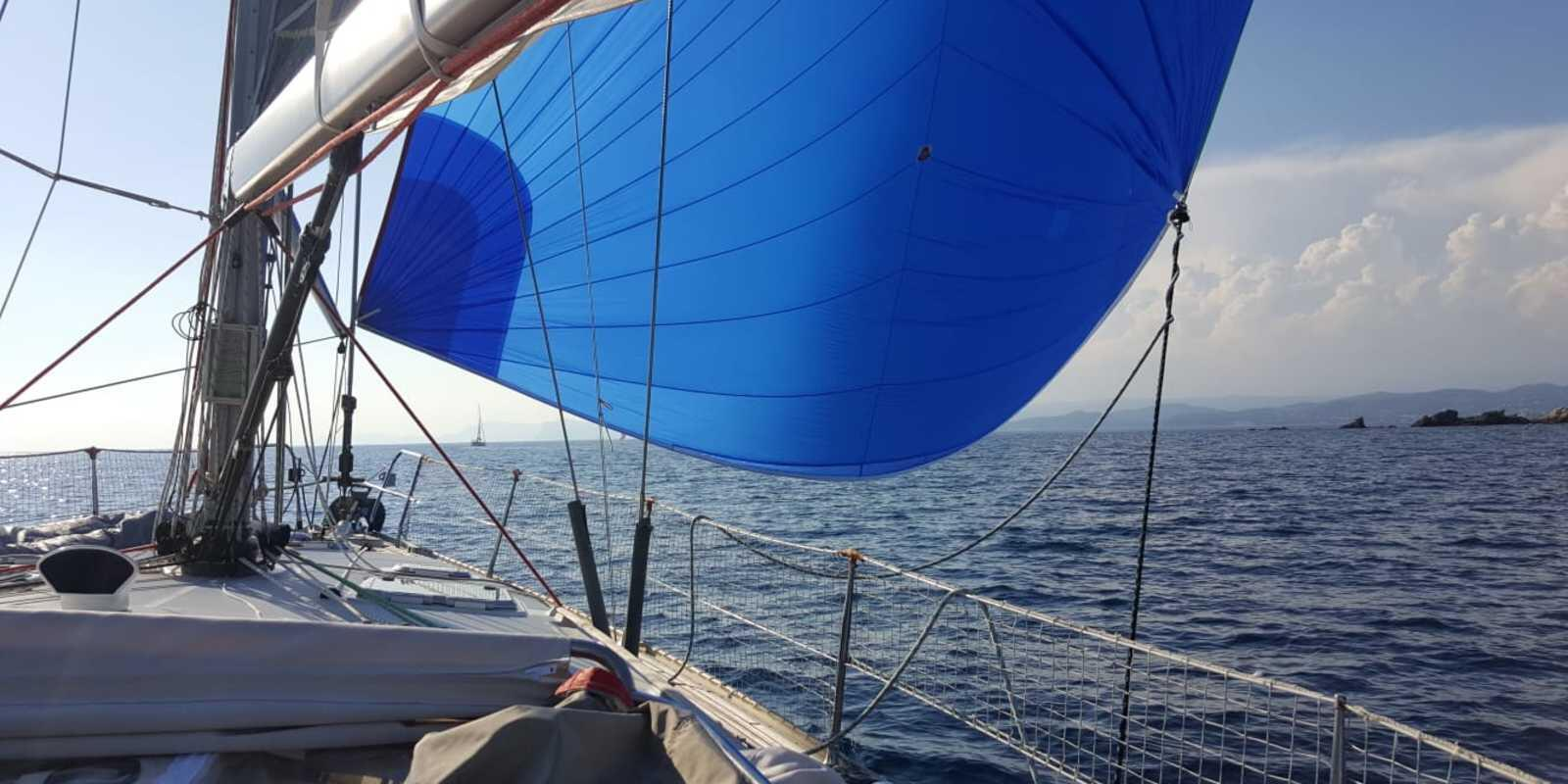 Advanced sailing course at departure Bandol
