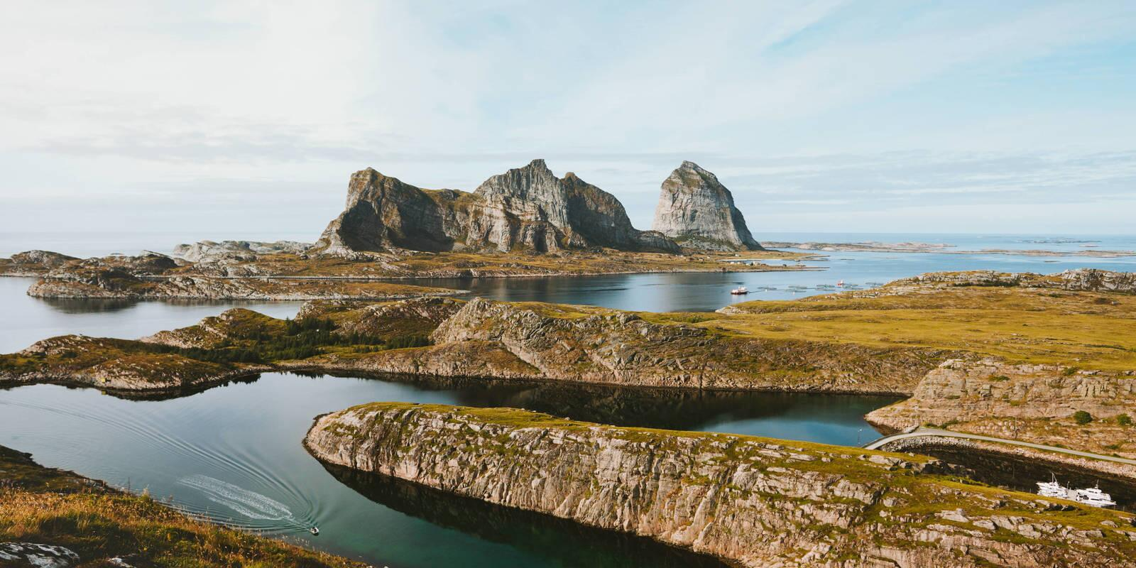 Sail Northern Norway and cross the Arctic Circle