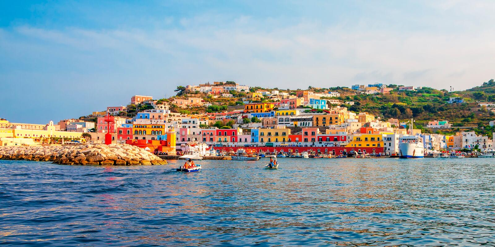 Week in the Pontine and Ischia islands