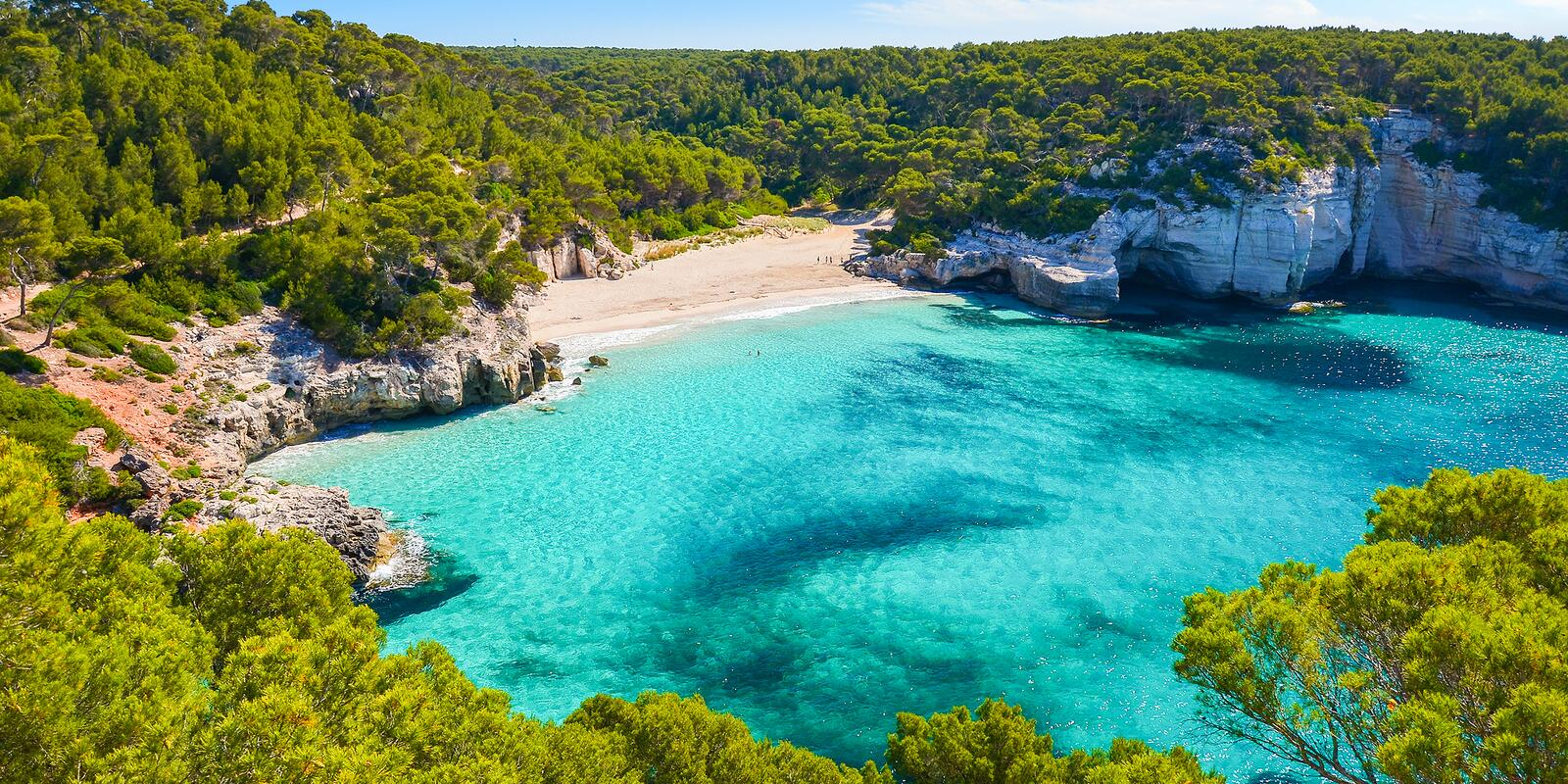 A week in Menorca on a sailing boat: a sea of emotions