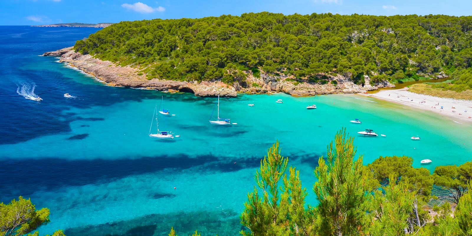 A week of relaxation and silence in the unspoiled sea of ​​Menorca