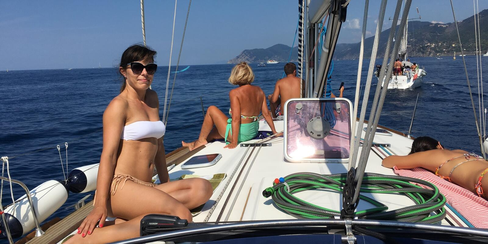 BY SAILBOAT IN PORTOVENERE AND GOLFO DEI POETI!