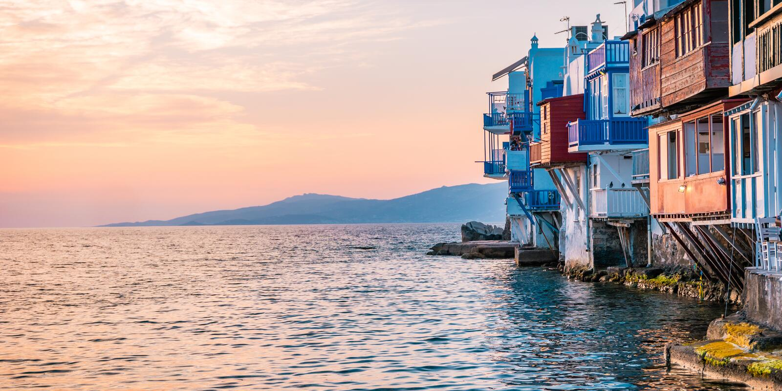 From Milos to Athens ... an Aegean to be traced