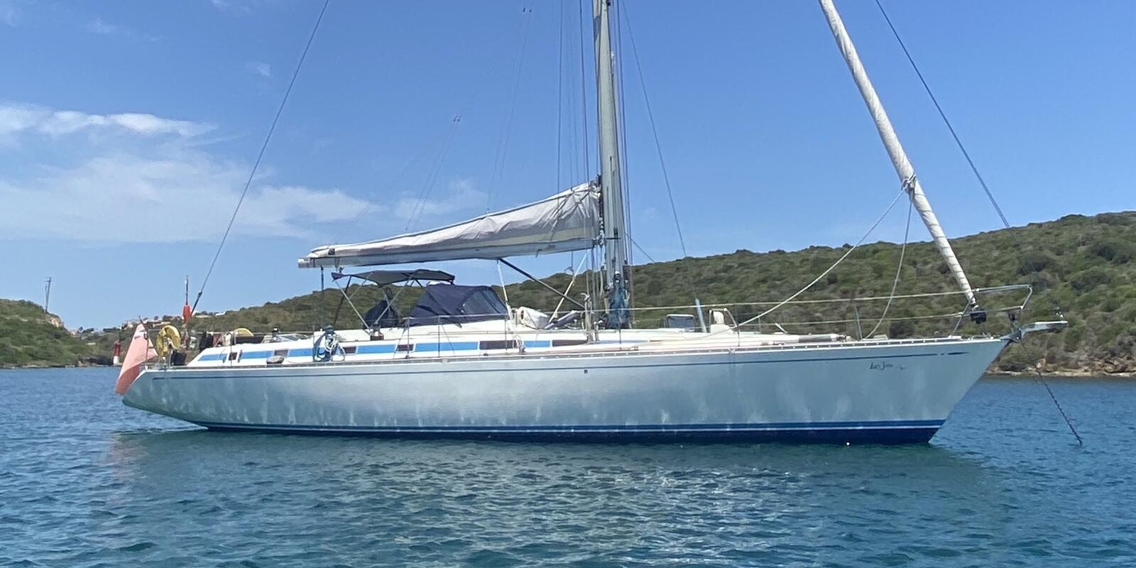 DAY CHARTER ON A CREWED SWAN 57 IN CORSICA