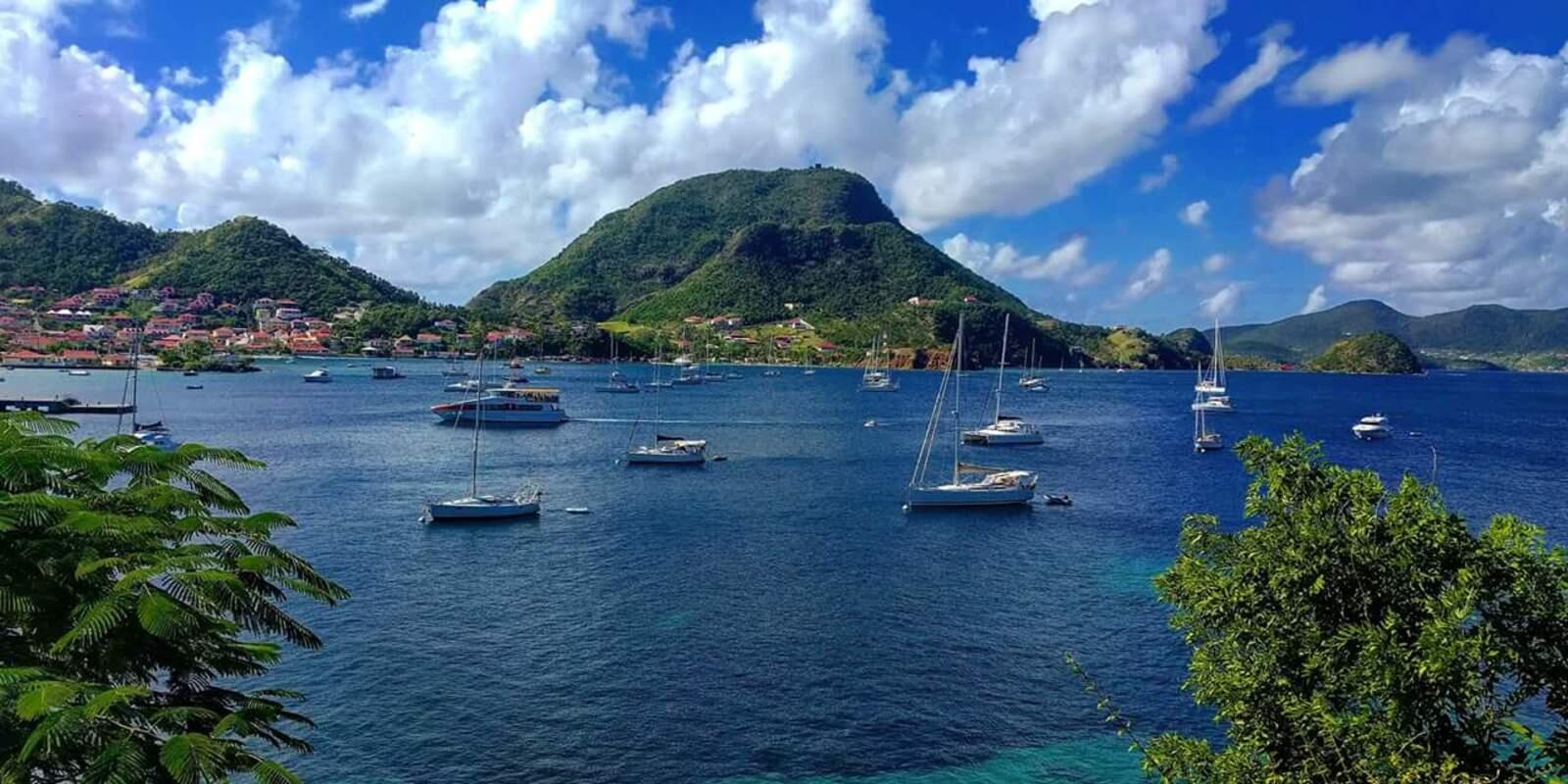 Sailing in the archipelago of Guadeloupe - French West Indies - Hostess on board