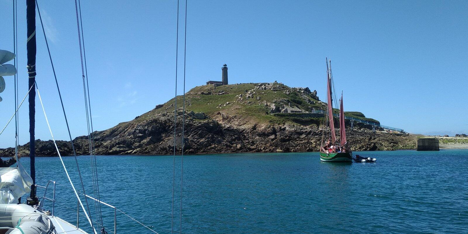 Sail to discover the Breton coast and its islands from Saint-Malo