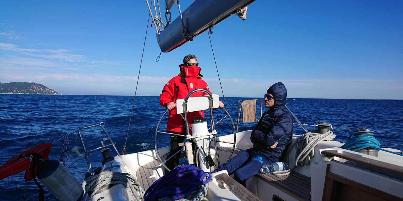 Mooring, night navigation and safety at sea course