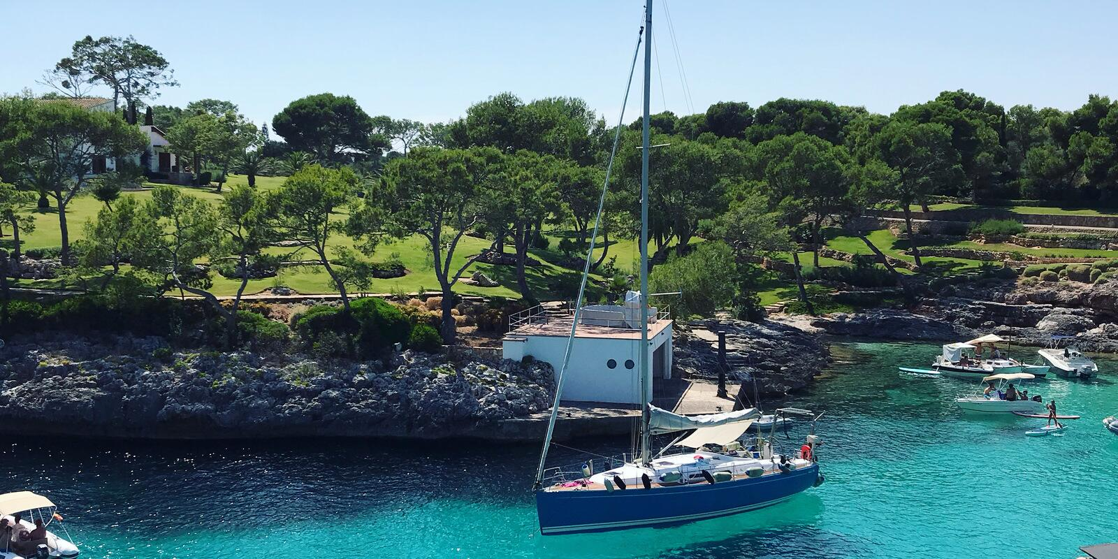 Learn to sail with a fantastic holiday in Mallorca and Menorca!