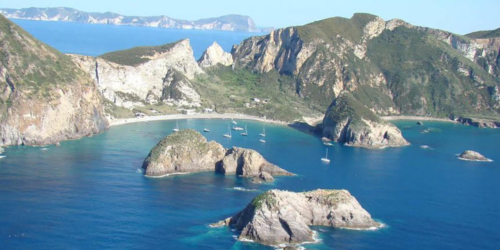 Seven days to the Pontine islands