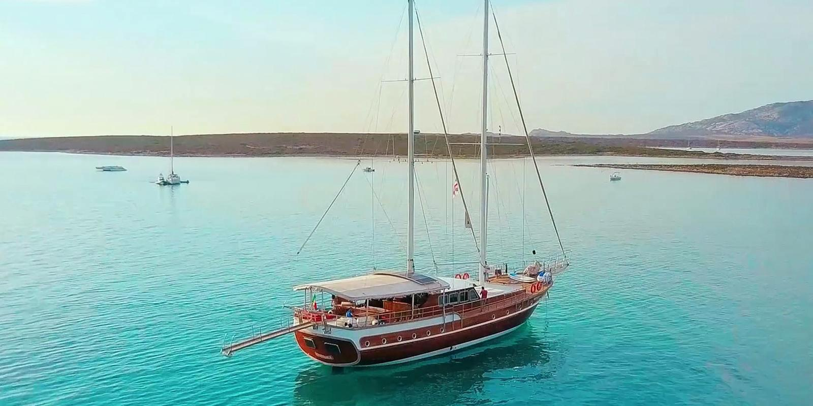 Cruise in South Sardinia aboard a comfortable 28 meter Gulet