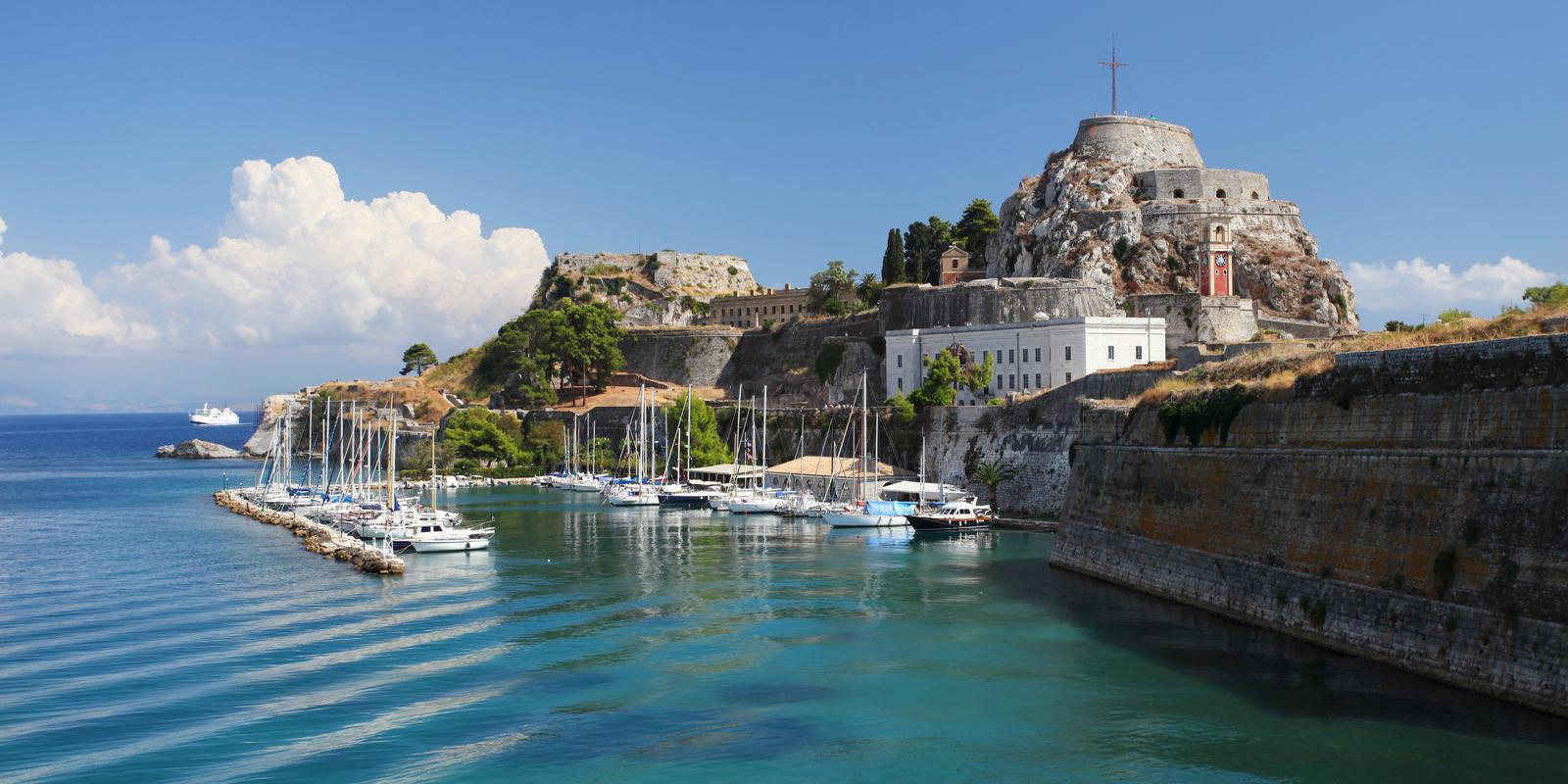 Sailing boat rentals: Corfu and surroundings by boat!