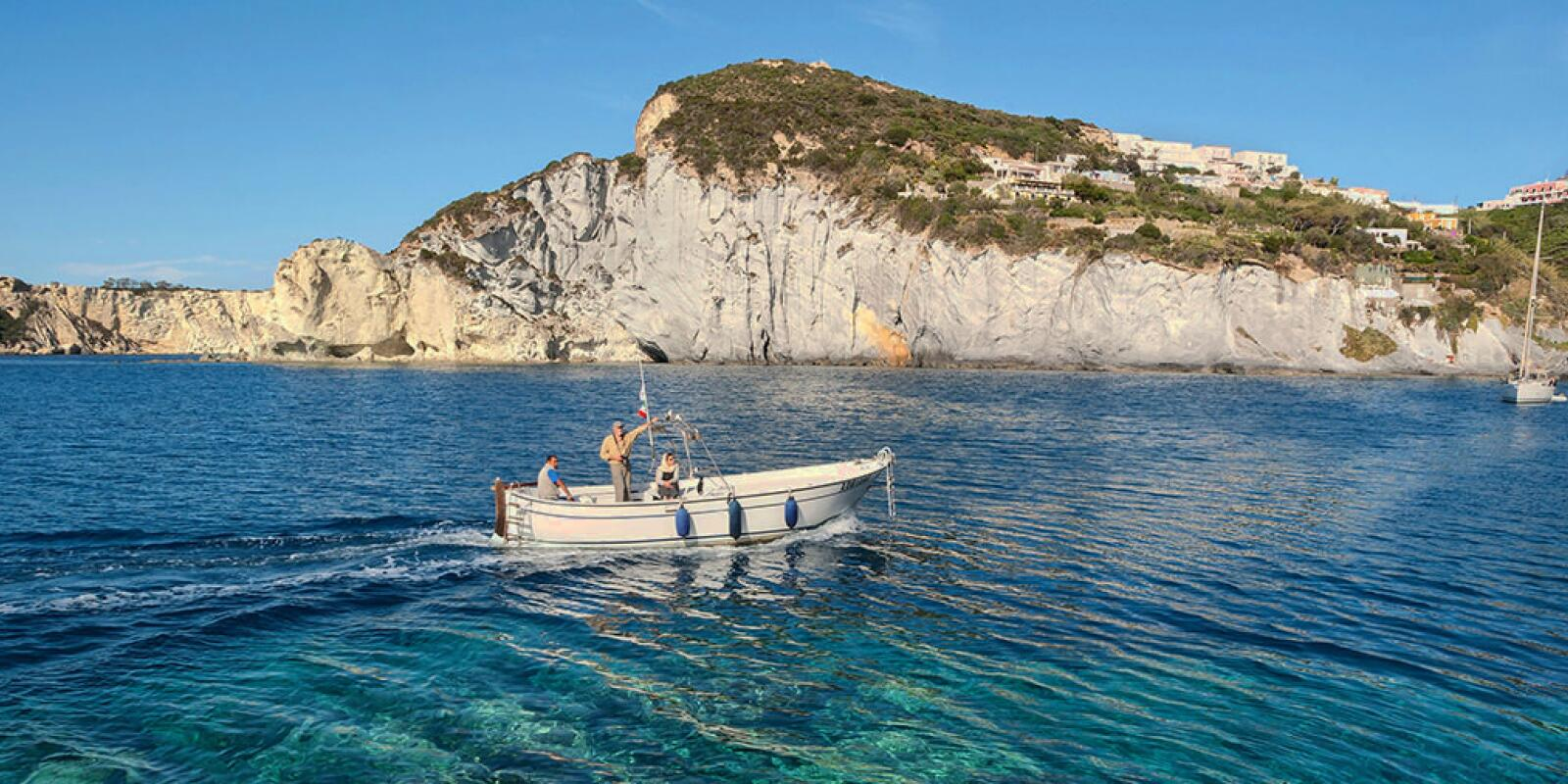 Sailing holidays in the Pontine Islands with skipper