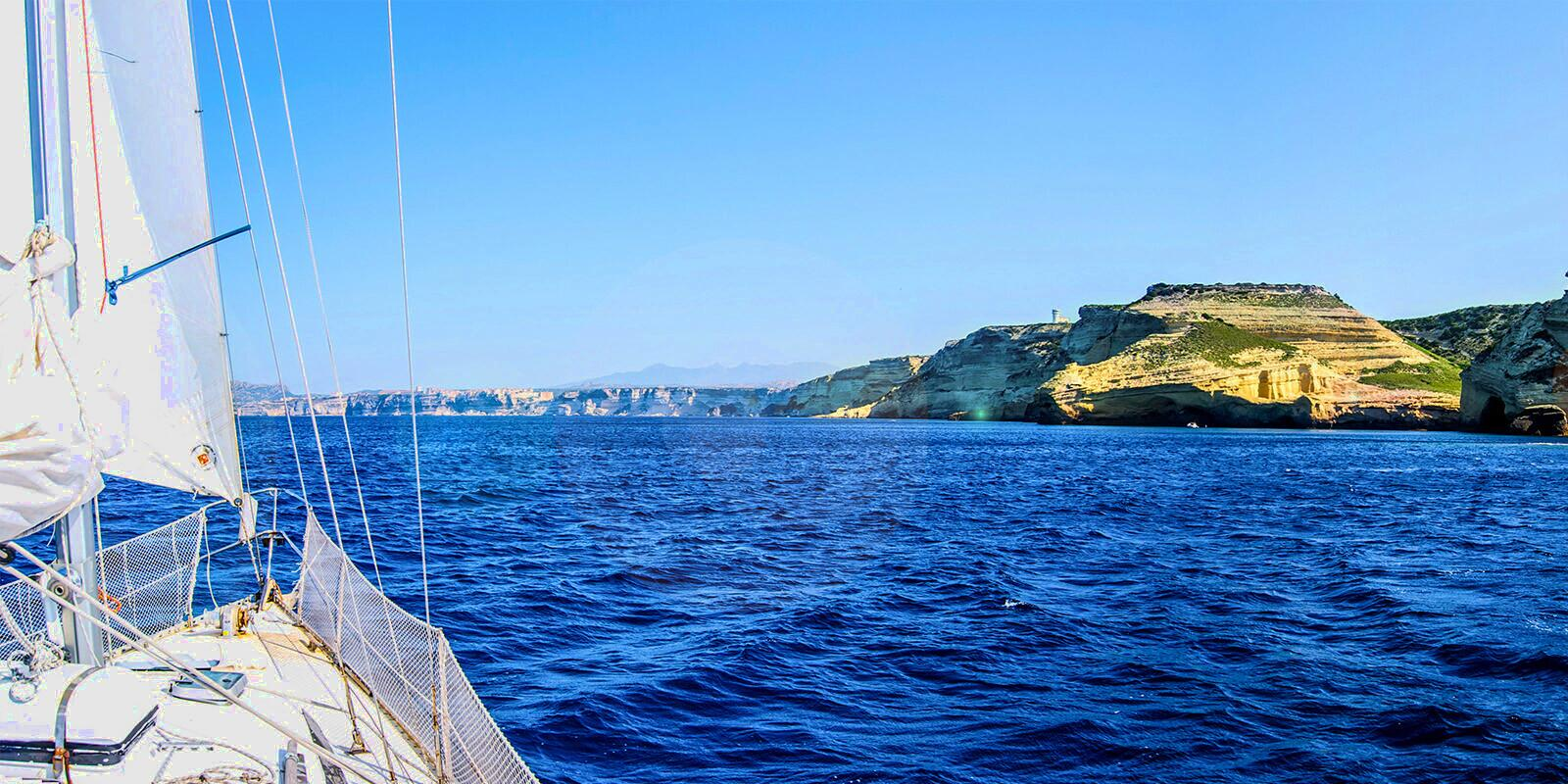 Rent a sailing boat with skipper in Corsica