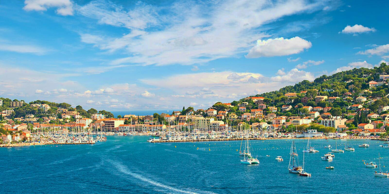Sailing holidays in the French Riviera with a skipper
